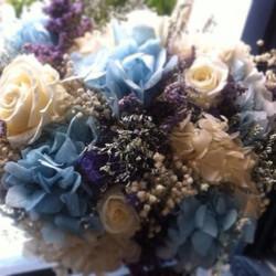 Bouquet en tonos azulados