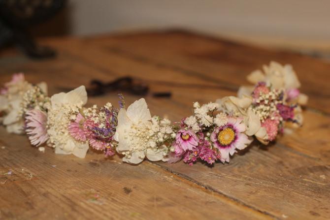Volvemos a tener SORTEO de una corona a manos del blog Presume de Boda, artesanos de tu boda!!!