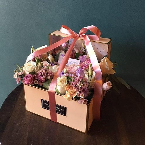 Love U Flowers Gift Box
