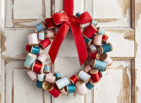 DYI Christmas Wreaths to Welcome Your Guests This Year