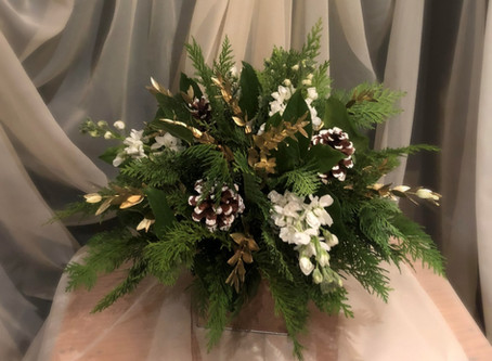 Beautiful Holiday Centerpieces