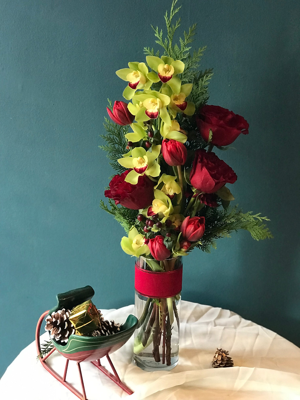 Christmas centerpiece Love U Flowers