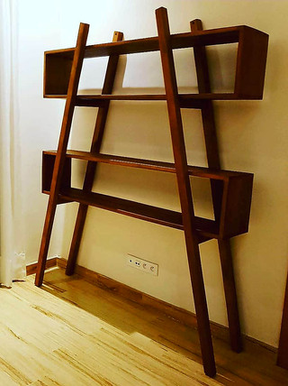 Bibliothèque en bois massif
