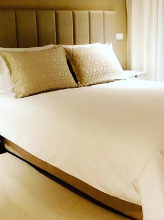 Chambre complète et rideaux