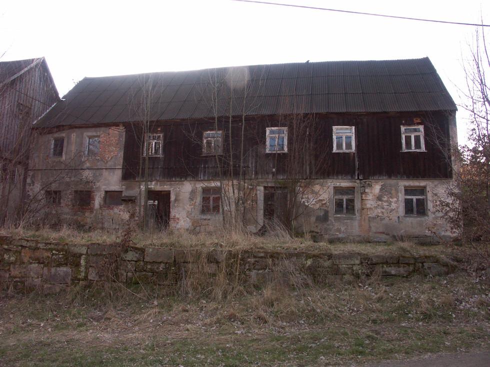 ehemalige Tankstelle im Ortsteil Berreuth, 2020 abgerissen, 30.03.2008