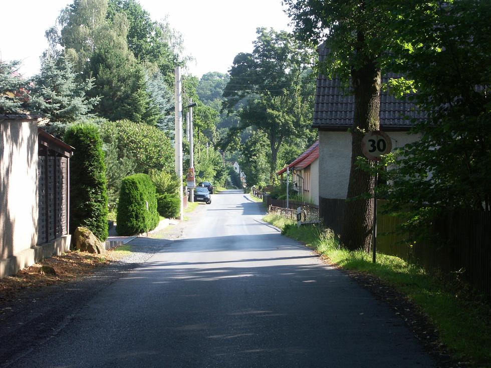 Dorfstraße im Ortsteil Berreuth, 26.07.2008
