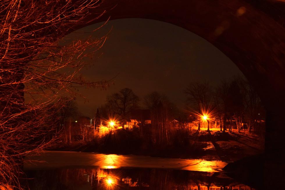 Blick durch die Lämmergrundbrücke in Paulsdorf, Langzeitbelichtung, Anfang 2021