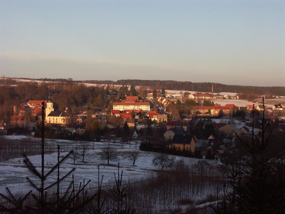 Dorfkern des Ortsteiles Reichstädt mit Schloss und Kirche, 23.01.2009