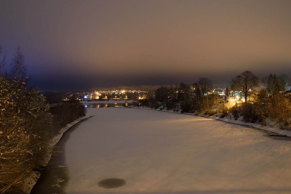 Blick von der Lämmergrundbrücke über die Malter zum Ortsteil Malter hin, Langzeitbelichtung, Anfang 2021