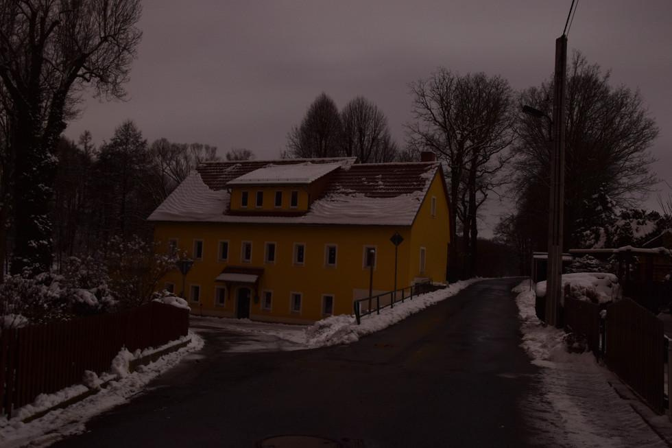 Stampe Berreuth, heute Kindergarten und Mehrzwecksaal, Langzeitbelichtung, Anfang 2021