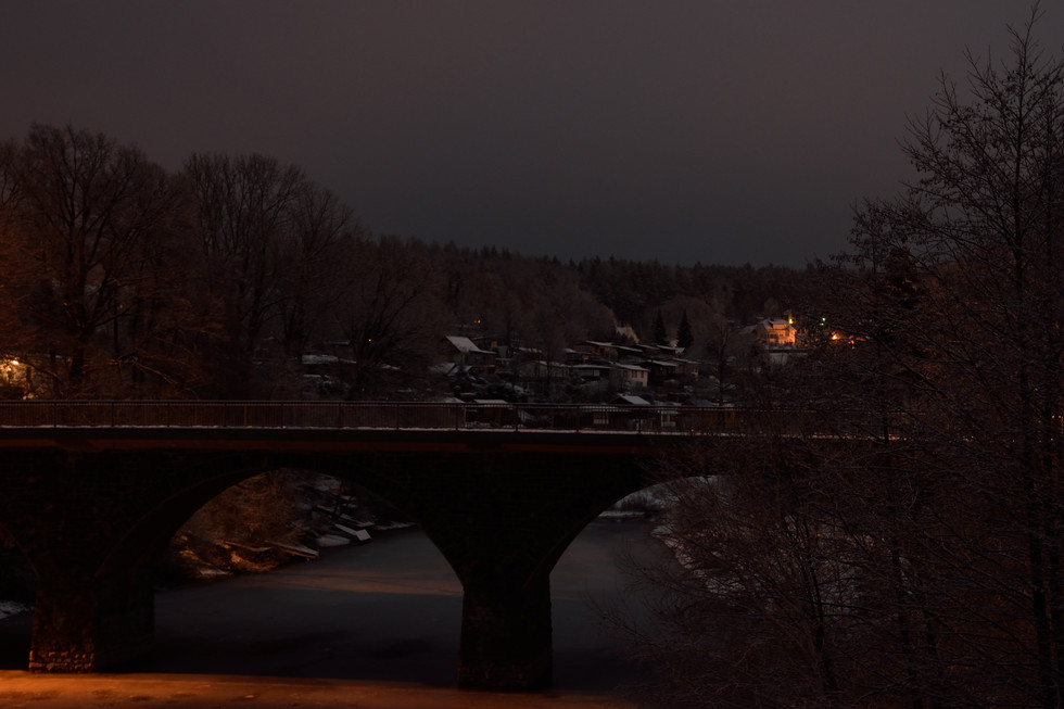 Autobrücke von der Brücke der Kleinbahn aus, Langzeitbelichtung Anfang 2021