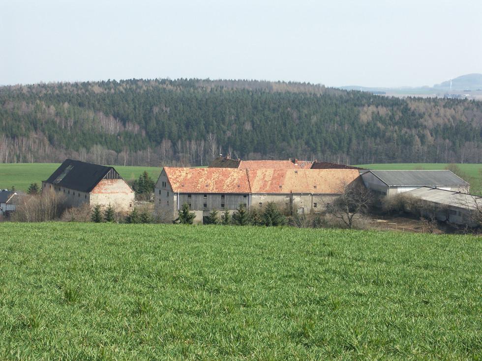Weidegut Paulsdor f am 27.03.2007, gut zu sehen der damals noch vorhandene Talflügel