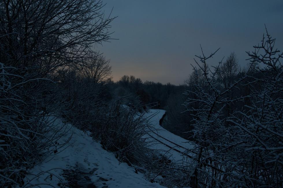 Gleise der Kleinbahn vom Wanderweg Malter/ Dippoldiswalde aus, Langzeitbelichtung Anfang 2021
