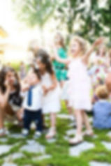 funny-wedding-pictures-happy-kids-in-bub