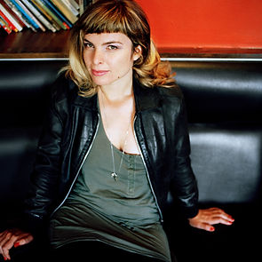 Portrait de la réalisatrice et photographe Emilie Jouvet
