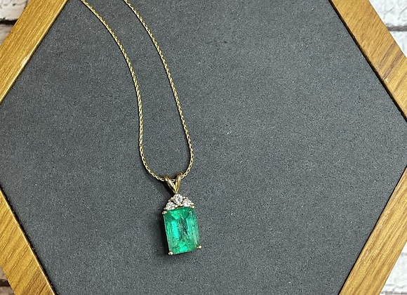 14k emerald with 14k chain