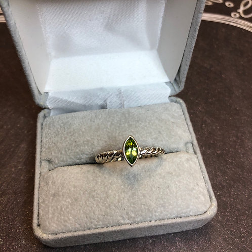 Sterling silver ring with peridot, size 9