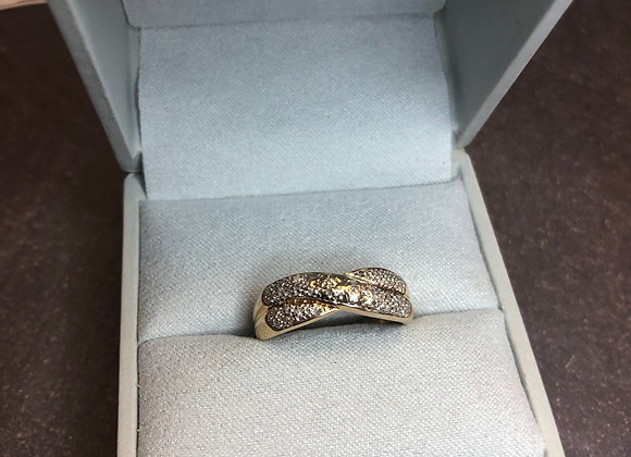 14k gold .15 ctw diamond ring, size 8
