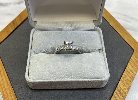 18k .75 ct princess cut diamond ring