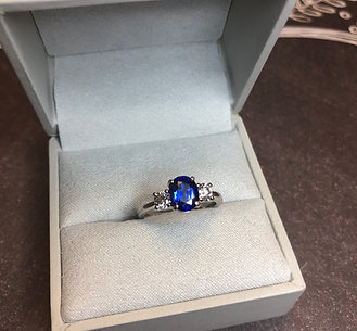 Platinum 1.5 ct Sapphire Ring, size 6.25