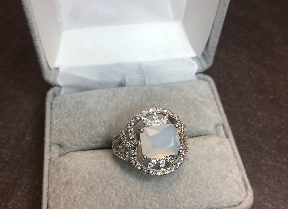 Sterling silver ring with czs, size 8