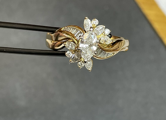 18k gold ring 1.1 ct diamond cluster