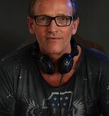 DJ-Westend-3-683x1024_edited_edited_edit