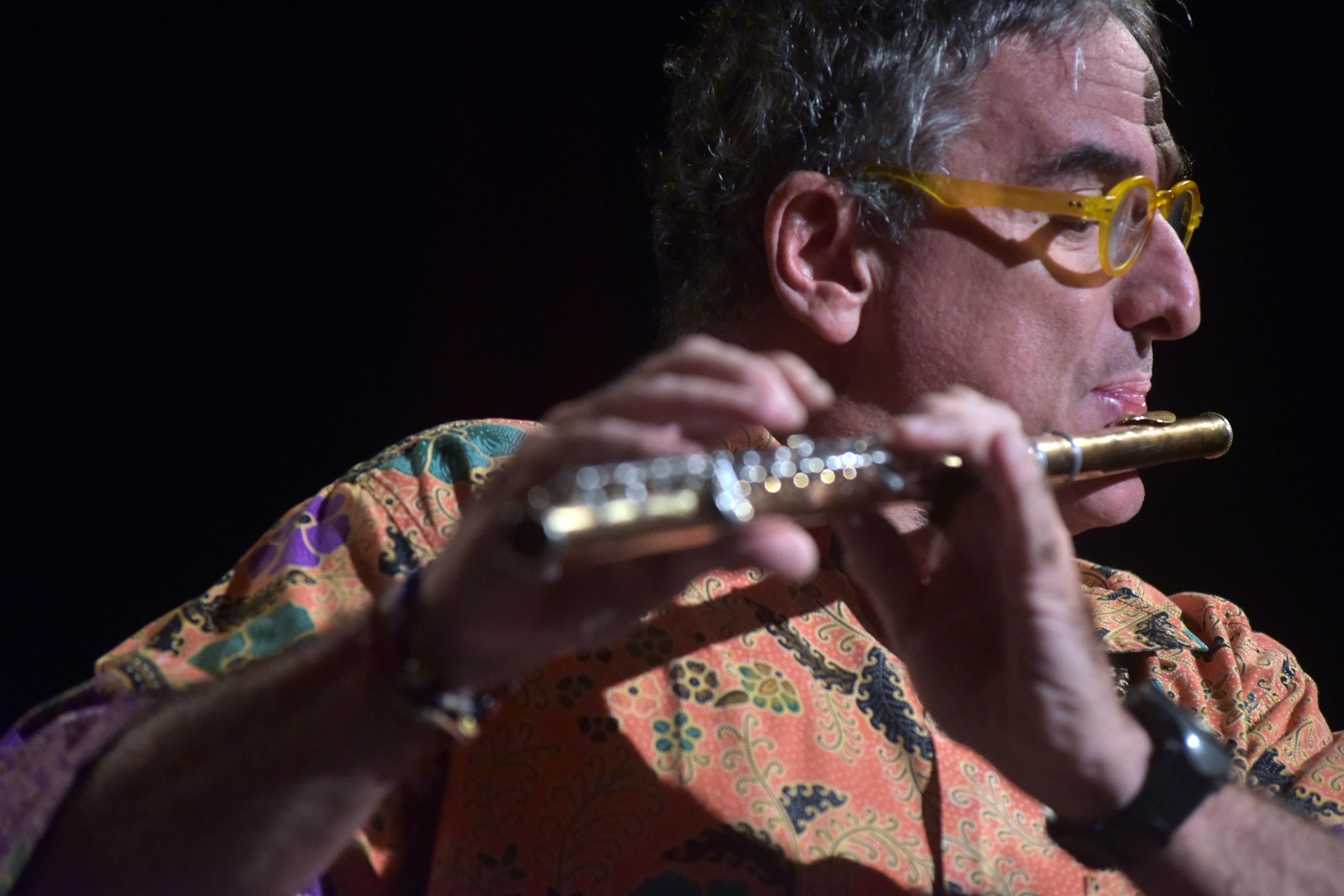 Luis J. Toro, Flautista Venezolano
