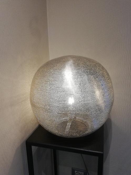 Lampada in alluminio traforato