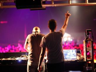 DJ PERFORMANCES