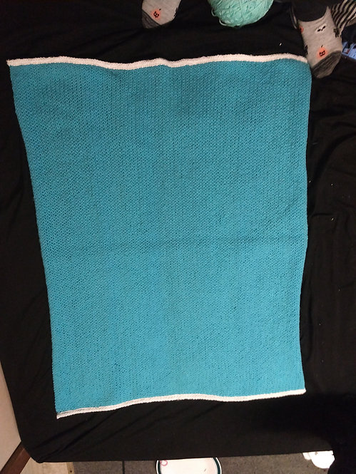 """Blue 35x30"""" knitted blanket"""
