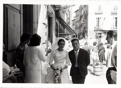 ALG y MM - Boda, en la calle.jpg