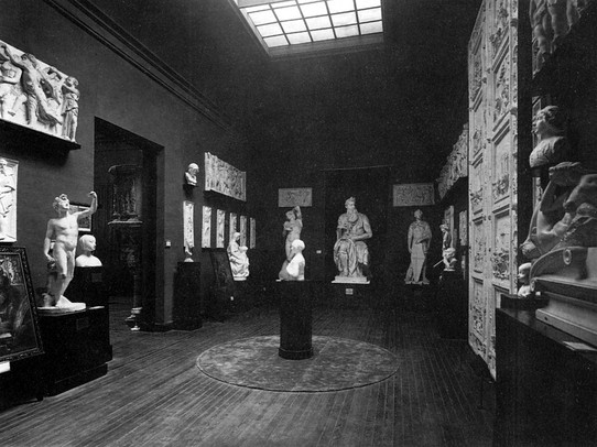 The Casón del Buen Retiro when it was the headquarters of the Museum of Reproductions