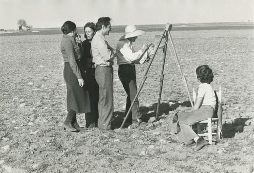 María Moreno, Isabel Quintanilla and Antonio López with Antonio López Torres, 1974