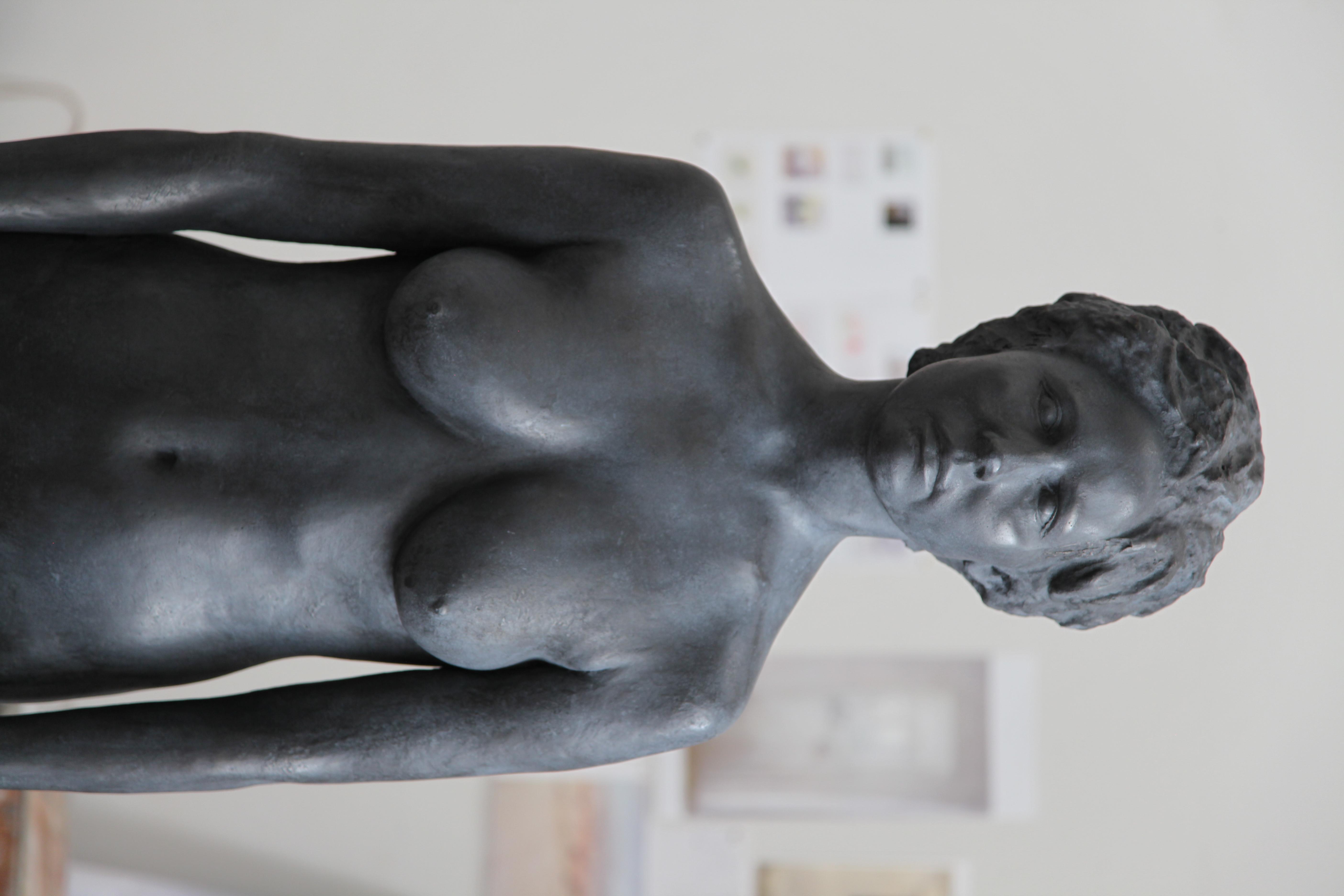 La mujer, bronce, 2017