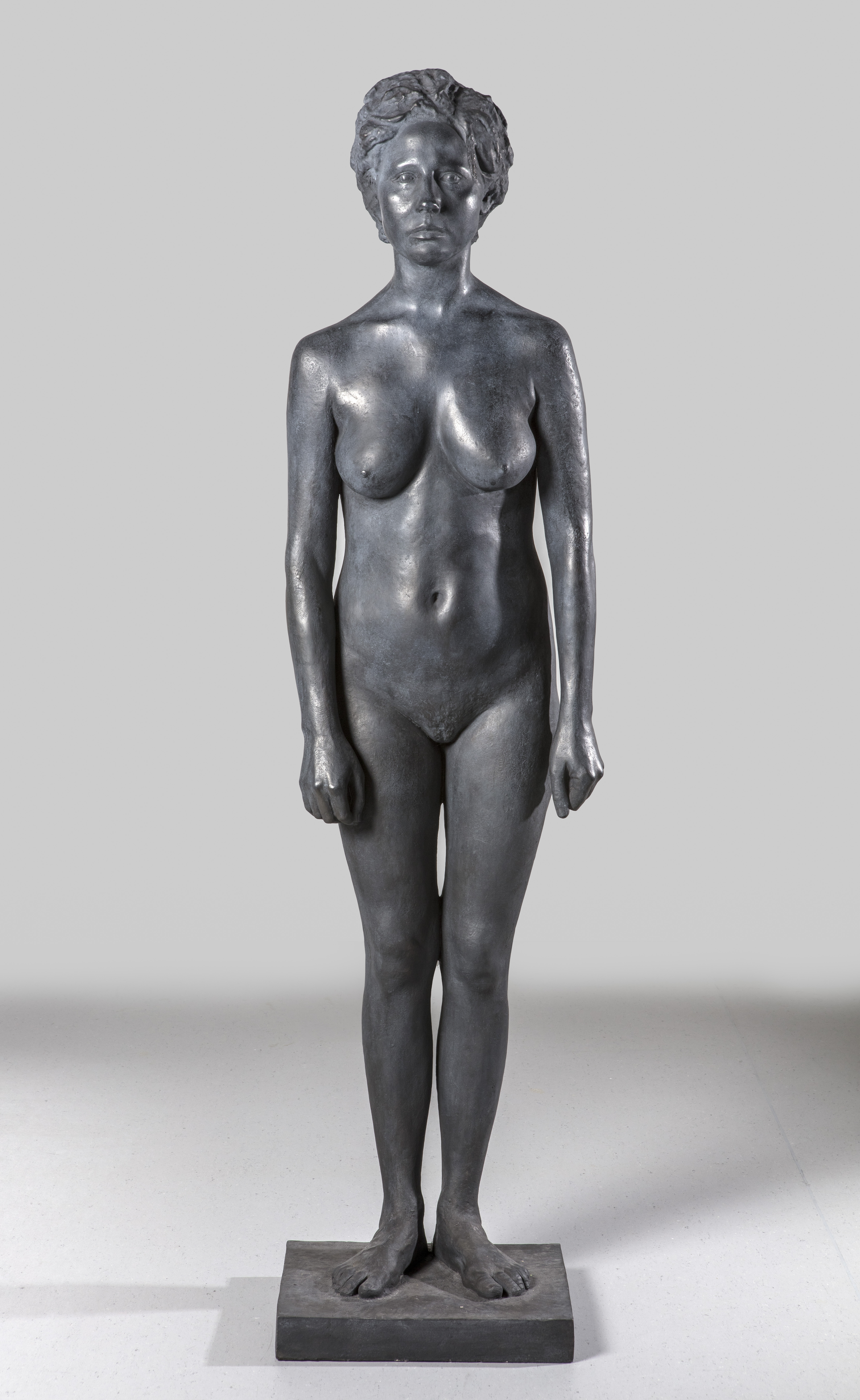 Mujer, 2017, bronce, 165,5 x 42,5 x 37 cm