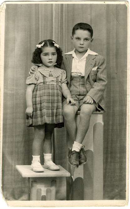 With his sister Josefina in 1943