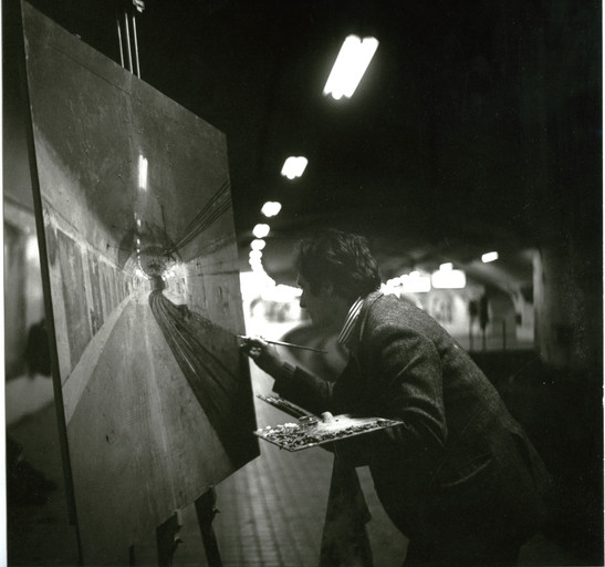 Painting in the Madrid metro, 1972.