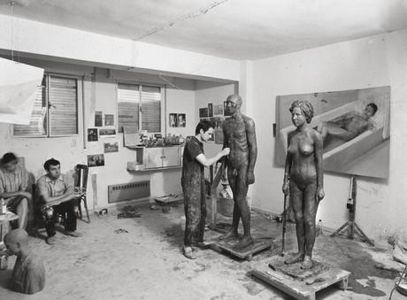 María Moreno and Francisco López accompany Antonio in the studio