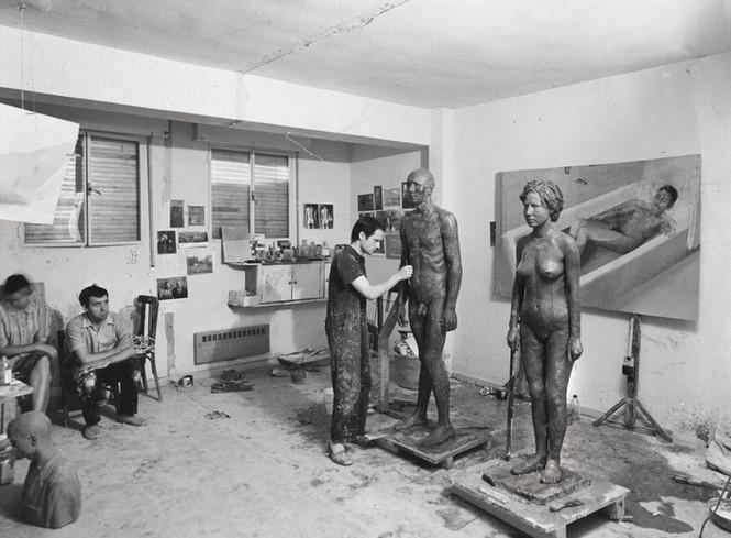 María Moreno y Francisco López le acompañan en el estudio.