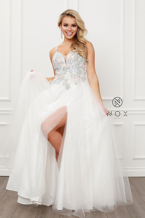 SLEEVELESS V NECK MULTI-LACE APPLIQUES TULLE A-LINE GOWN