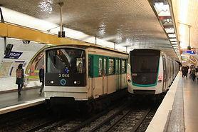 Voltaire_MF01_&_MF67_métro_Paris_par_Cra