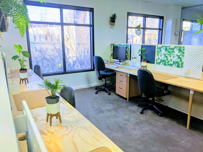 We love natural materials HQ_Workspace.j