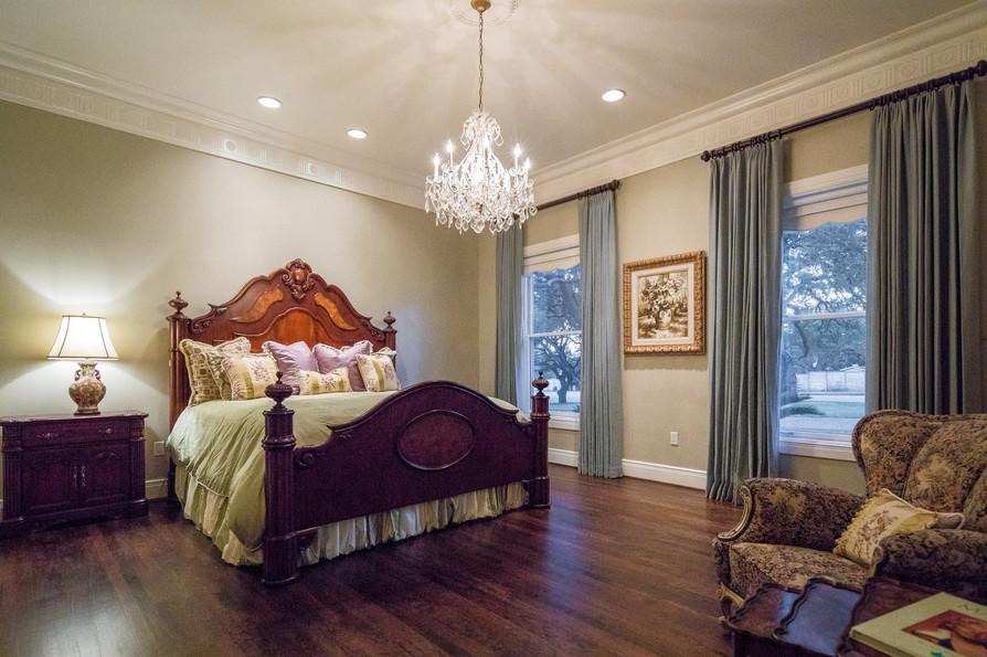 1st Floor Guest Suite.jpg
