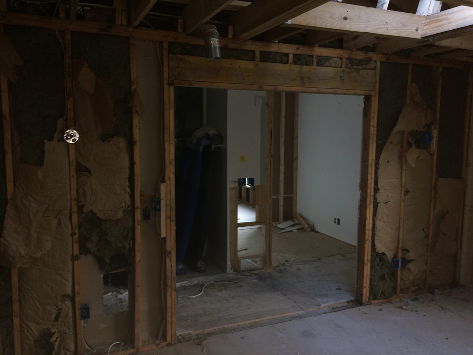 Jacuzzi Room Before