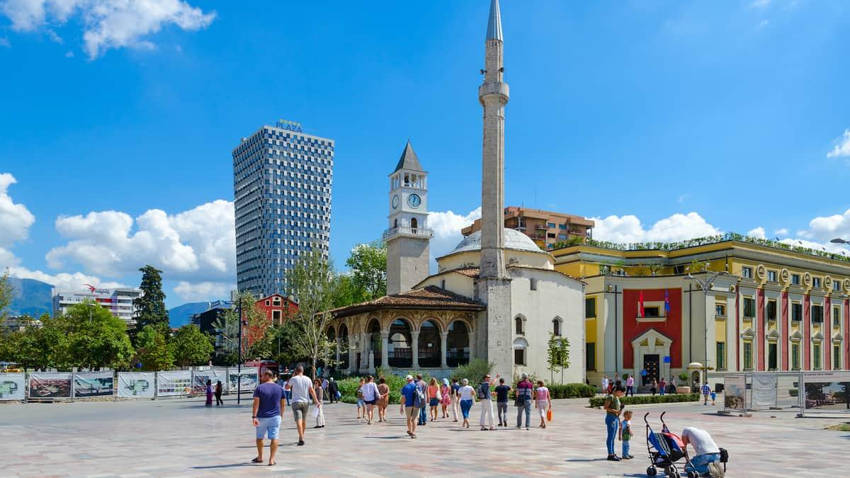 beste-reistijd-tirana-albanie-1200x675