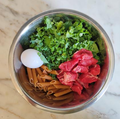 Beef, pasta & veg ingredients.jpg
