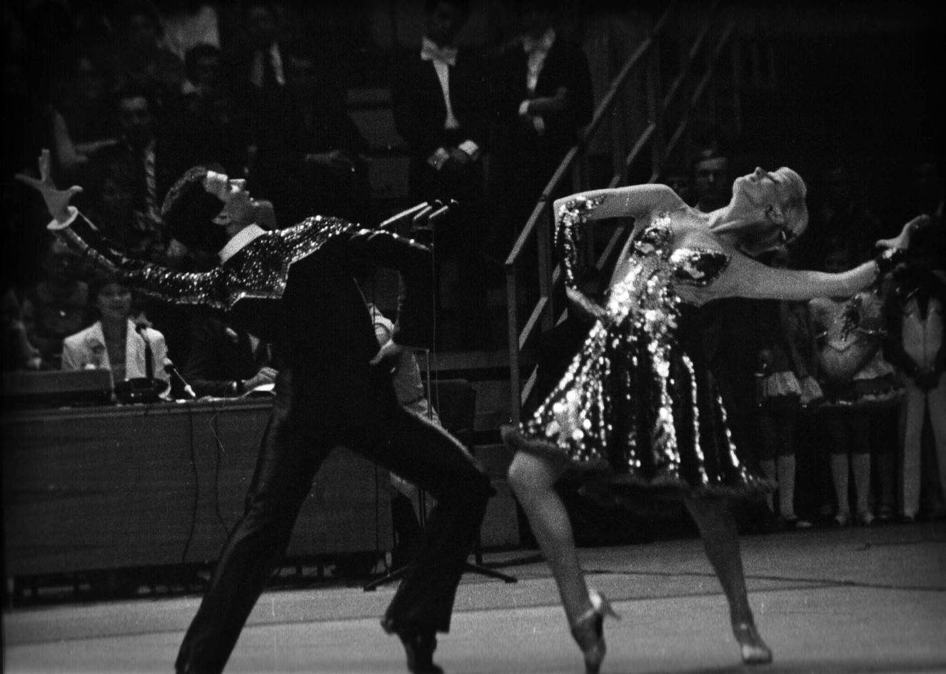 Станислав и Людмиоа Поповы, Чемпионат социалистических стран 1979, четвертый танец финала, пасодобль.