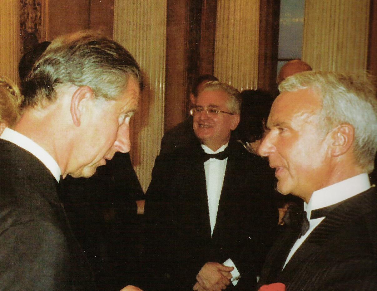 Принц Чарльз и Станислав Попов, Эрмитаж Санкт-Петербург, 2004.