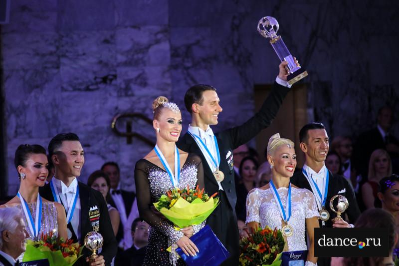 Чемпионат мира по европейским танцам среди профессионалов: лучшие пары на паркете Кремля